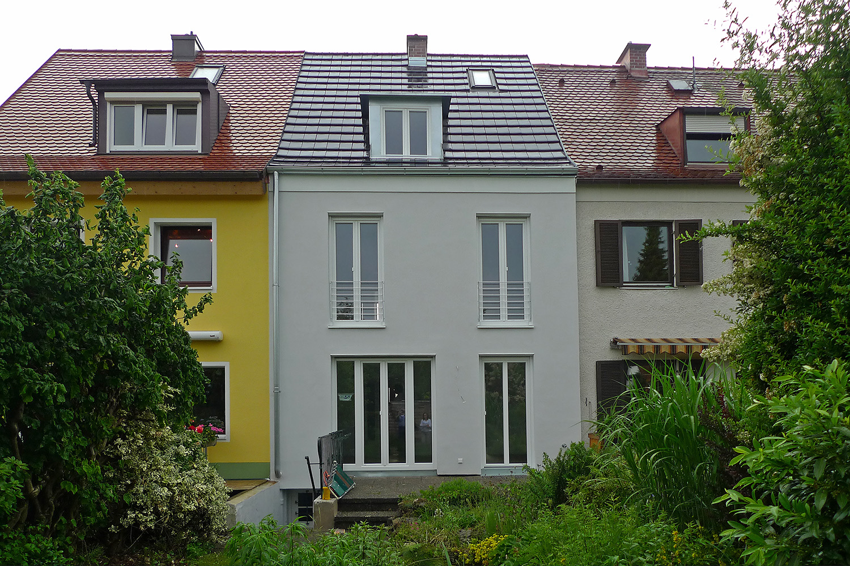 Reihenhaus Kleinhadern Wohnhaus Baustelle Fassade Garten neu