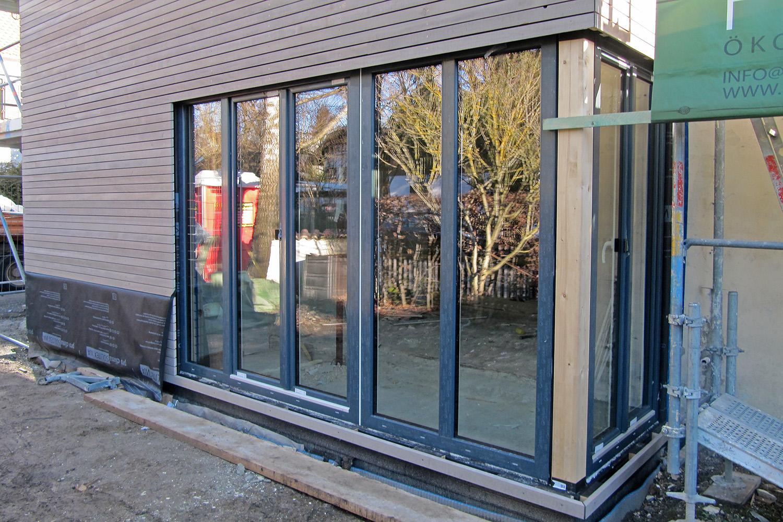 Wohnhaus Planegg Anbau Holz Baustelle Eckverglasung