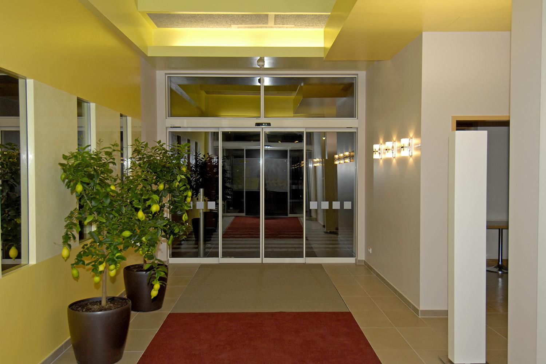 eingangsbereich senioren wohnstift innenarchitekt. Black Bedroom Furniture Sets. Home Design Ideas