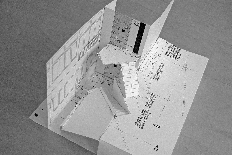 Aufzug Senioren-Wohnstift Bonn Modell Treppe Aussen