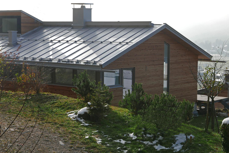 Wohnhaus Achensee Rofangarten Holzhaus Niedrigenergiehaus Blechdach