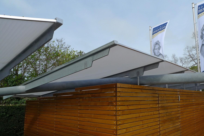 Carports Senioren-Wohnstift Bonn Bornheim Stahlbau Träger gekrümmt Detail Glas Stahl Holz