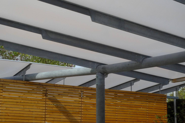 Carports Senioren-Wohnstift Bonn Bornheim Stahlbau Träger gekrümmt Rohbau Detail Knoten Stahl