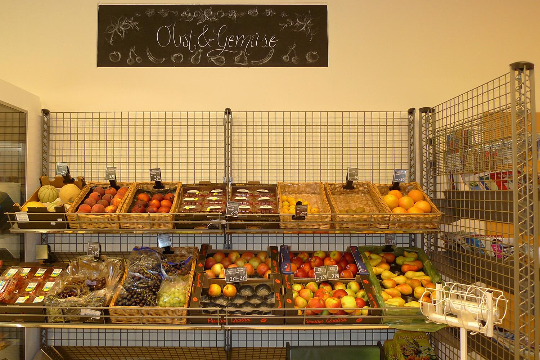 Feinkostladen Senioren-Wohnstift Ainring Laden Obst Gemüse Auslage
