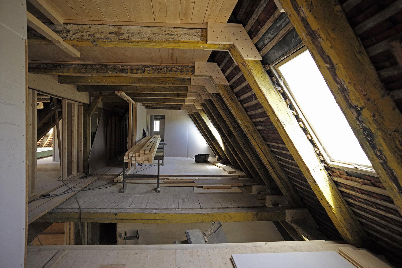 Sanierung Augsburg Dachstuhl Verstärkungen
