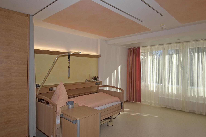 Pflegewohnbereich Senioren-Wohnstift Ainring Pflegestation Pflegezimmer Blick